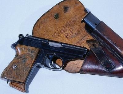 Пистолет Вальтер ПП (Polizei Pistole - полицейский пистолет)