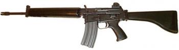 Armalite AR-18 - Меж двух огней!
