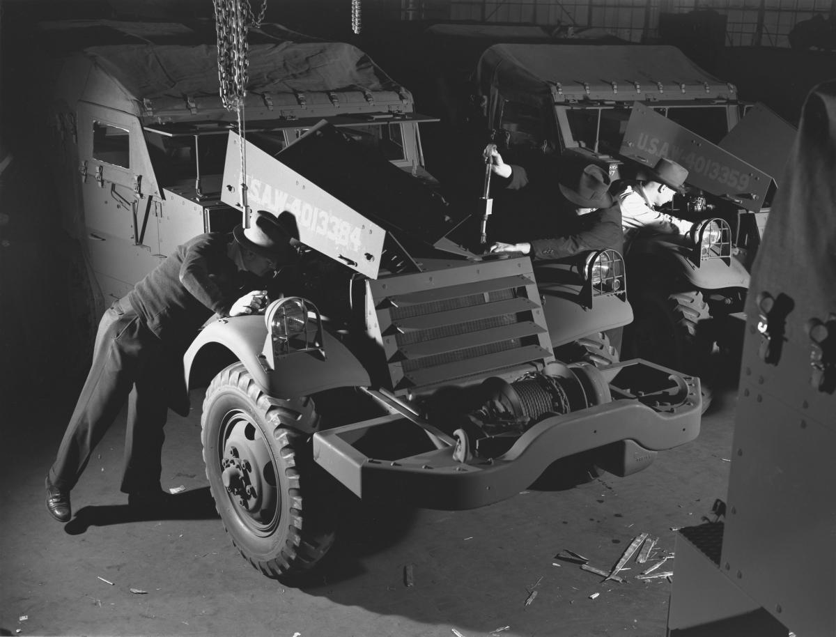 Datalife engine december 1941 for Usa motors cleveland ohio