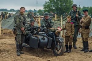 8 и 9 августа 2015 г. проходил военный фестиваль «Поле Боя»